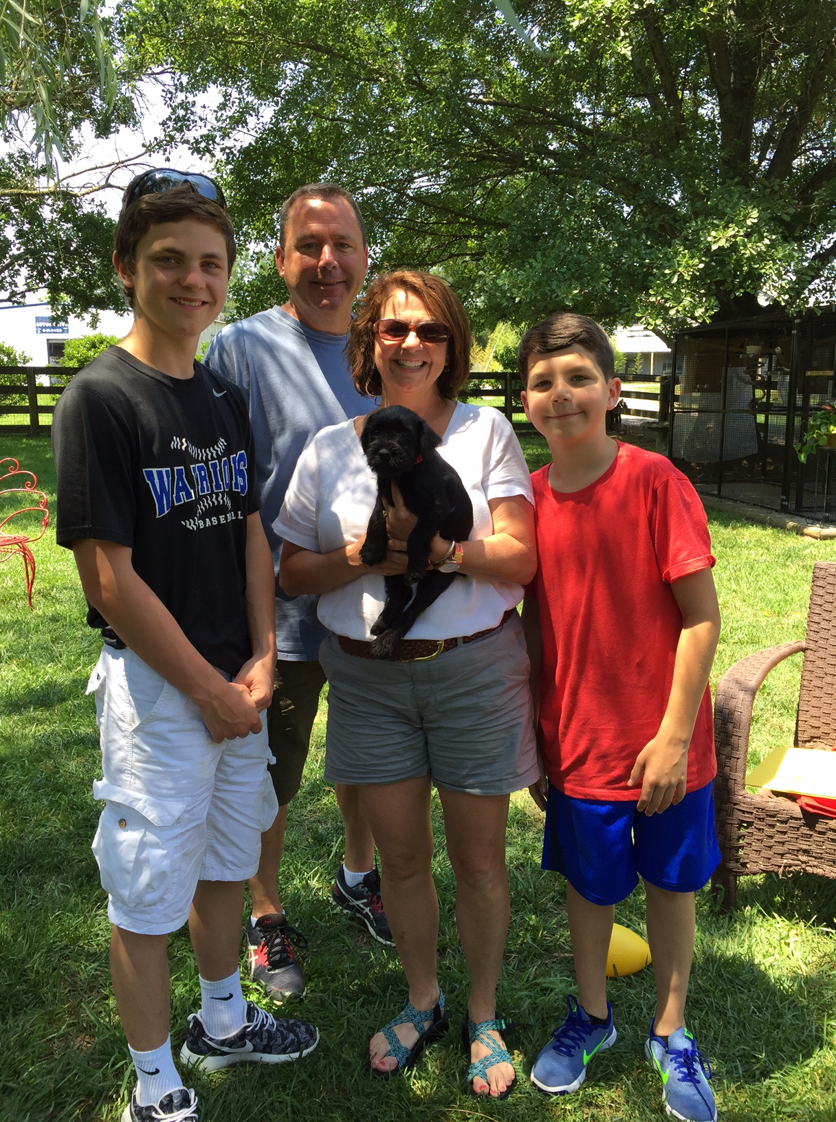 IMG_5559_Family_w_New_Puppy.jpg